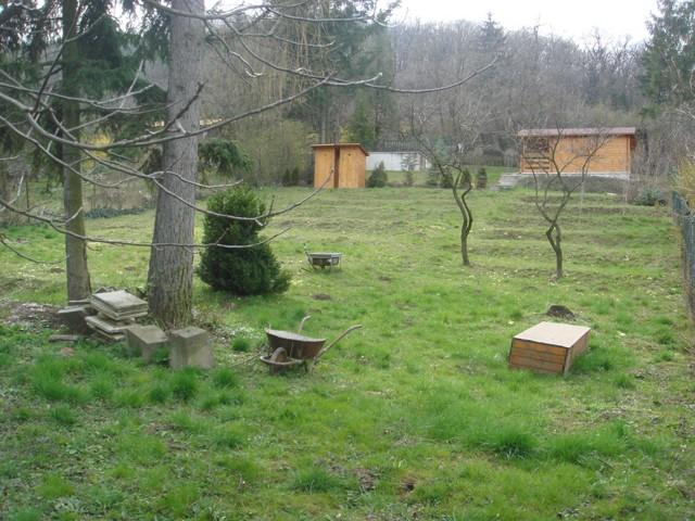 Pozemok pod lesom v Dúbravke – Taváriková osada