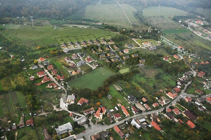 Pozemok v Borinke 1000m2