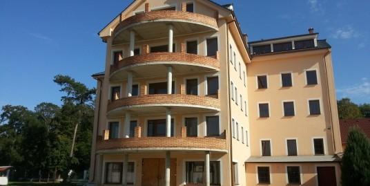 Stavba s 32 apartmánmi, Dolné Zelenice