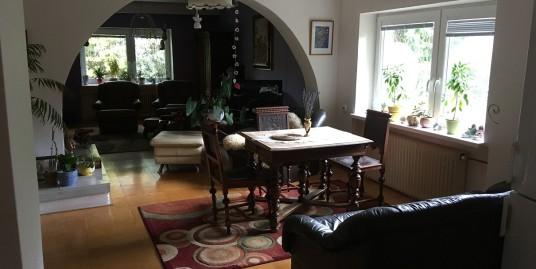 Rozľahlý byt so záhradou a panoramatickým výhľadom